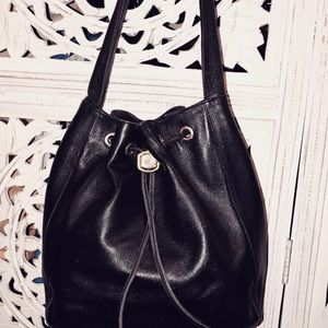 Vintage Made In Italy leg Bucket Bag. Excellent